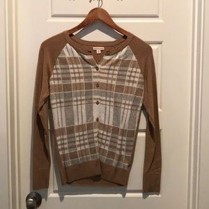 Like new plaid cardigan
